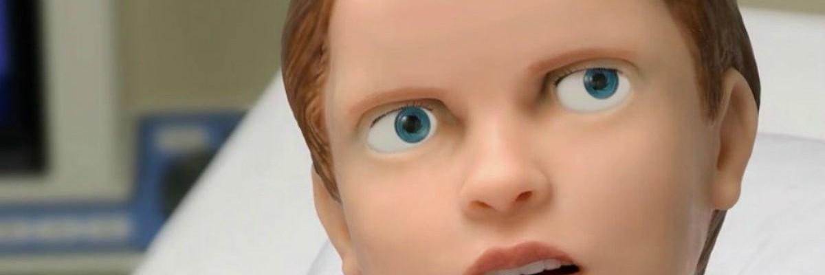 병원 침대에 누워있는 '어린이 환자 로봇'